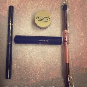Eyeshadow, mascara, eyeliner and brush combo